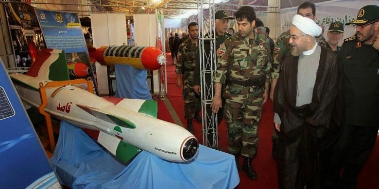 Iran Pamerkan Rudal dan Sistem Radar Baru