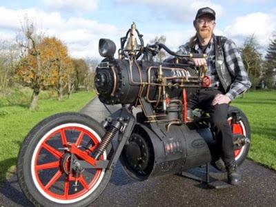 Έχετε ξανά δει ατμοκίνητη μοτοσικλέτα;