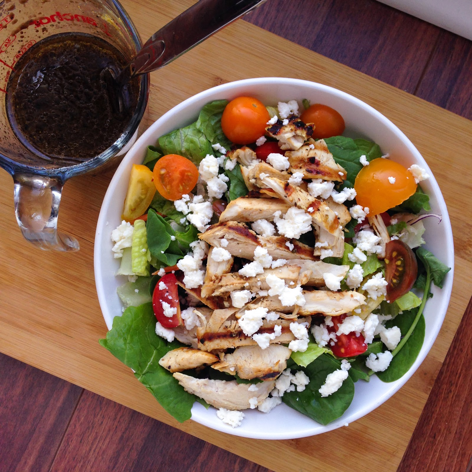 salad with chicken, tomatoes, feta