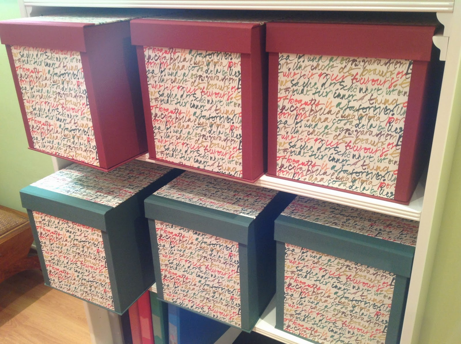 De cart n y trapo media docena de cajas for Cajas decorativas para almacenar