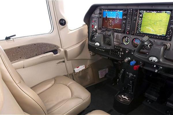 Cockpit panel gap example