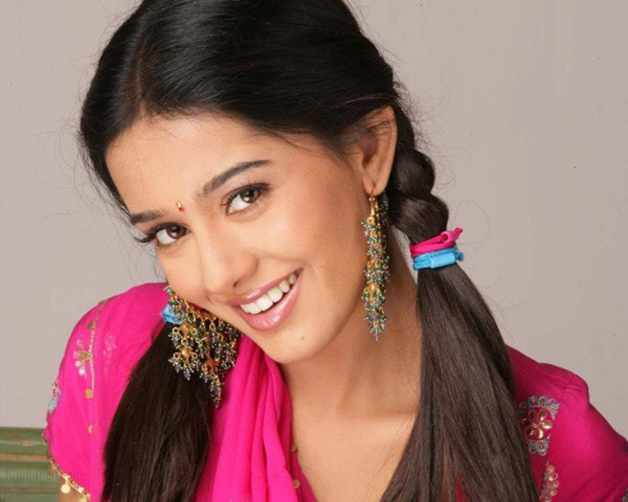 actresses hd wallpapers: amrita rao hd wallpapers