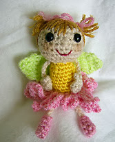 http://translate.google.es/translate?hl=es&sl=en&u=http://aseknc.blogspot.com/2010/07/free-crochet-pattern-ases-flower-fairy.html&prev=/search%3Fq%3Dhttp://aseknc.blogspot.com.es/2010/07/free-crochet-pattern-ases-flower-fairy.html%26safe%3Doff%26client%3Dfirefox-a%26hs%3Dynv%26rls%3Dorg.mozilla:es-ES:official%26channel%3Dnp