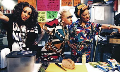 Stooshe Ft. Travie McCoy - Love Me Lyrics