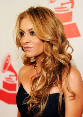 Paulina Rubio Long Wavy Cut Hairstyle