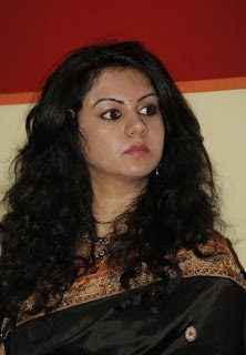 Kamna Jethmalani Pictures in Black Saree at TMC 2012 Dhanteras Special Draw