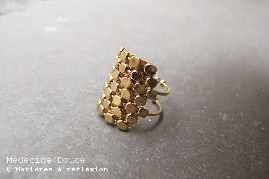 Bague doré Médecine Douce bijoux - nid d'abeille