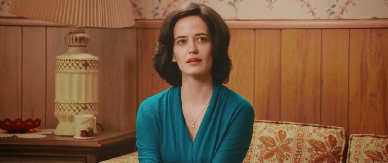 white bird in a blizzard eva green