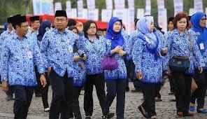 Pemkab Tangerang Mewajibkan PNS Setempat Pakai Batik Lokal