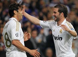 Ricardo Kaka and Gonzalo Higuain celebrates a goal