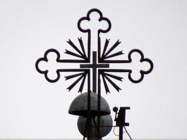 Le croci di Santa Maria del Soccorso viste via Magenta, Livorno
