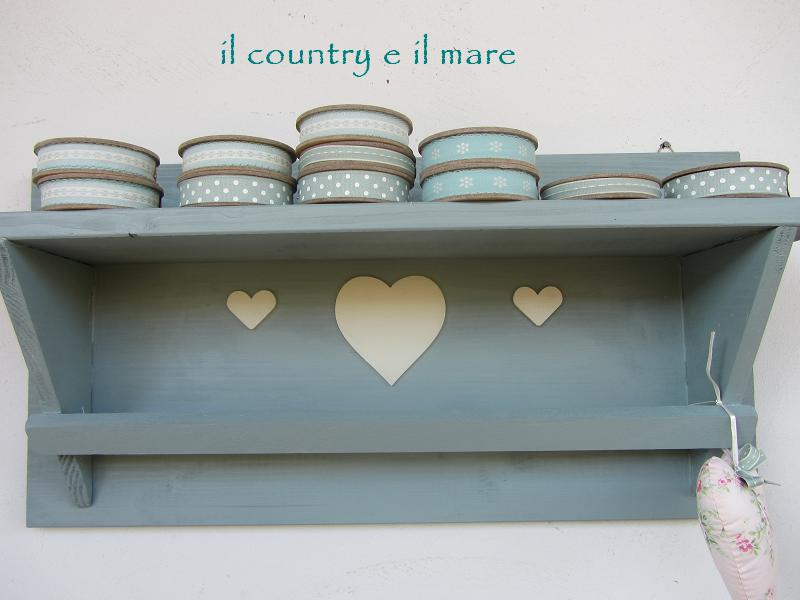 angolo mensole da cucina. cucina mobili bianchi mensole legno ...