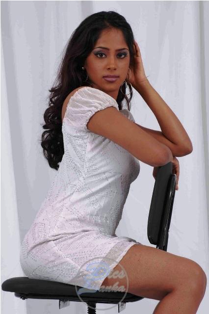 Lankan super models krishani  short drees pictures, krishani facebook