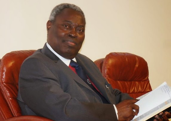 pastor kumuyi faints