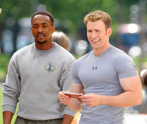 Antohony Mackie and Chris Evans in Captain America: The Winter Soldier