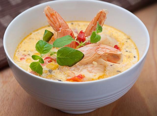 soupe de topinambours aux crevettes, langoustines, sans gluten