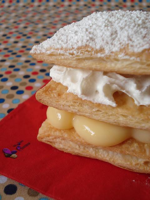 milhojas, hojaldre, crema de limón, lemon curd, crema de queso con chocolate, nata montada, reto tía alia,