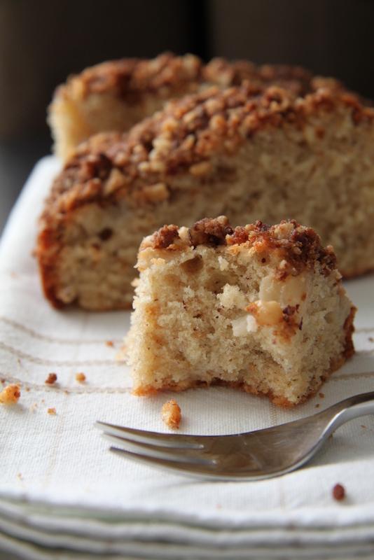 Ciasto z gruszkami i kruszonką z orzechów laskowych