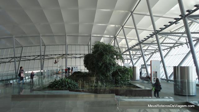 Jardim no terraço do Aeroporto Internacional de Carrasco - Montevidéu, Uruguai