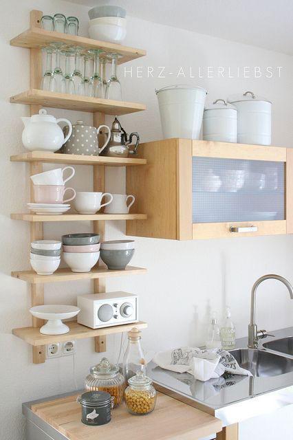 buena solucin es colocar estanteras en ellas y poner la vajilla o utensilios de cocina a la vista as adems de almacenaje ganaremos en decoracin
