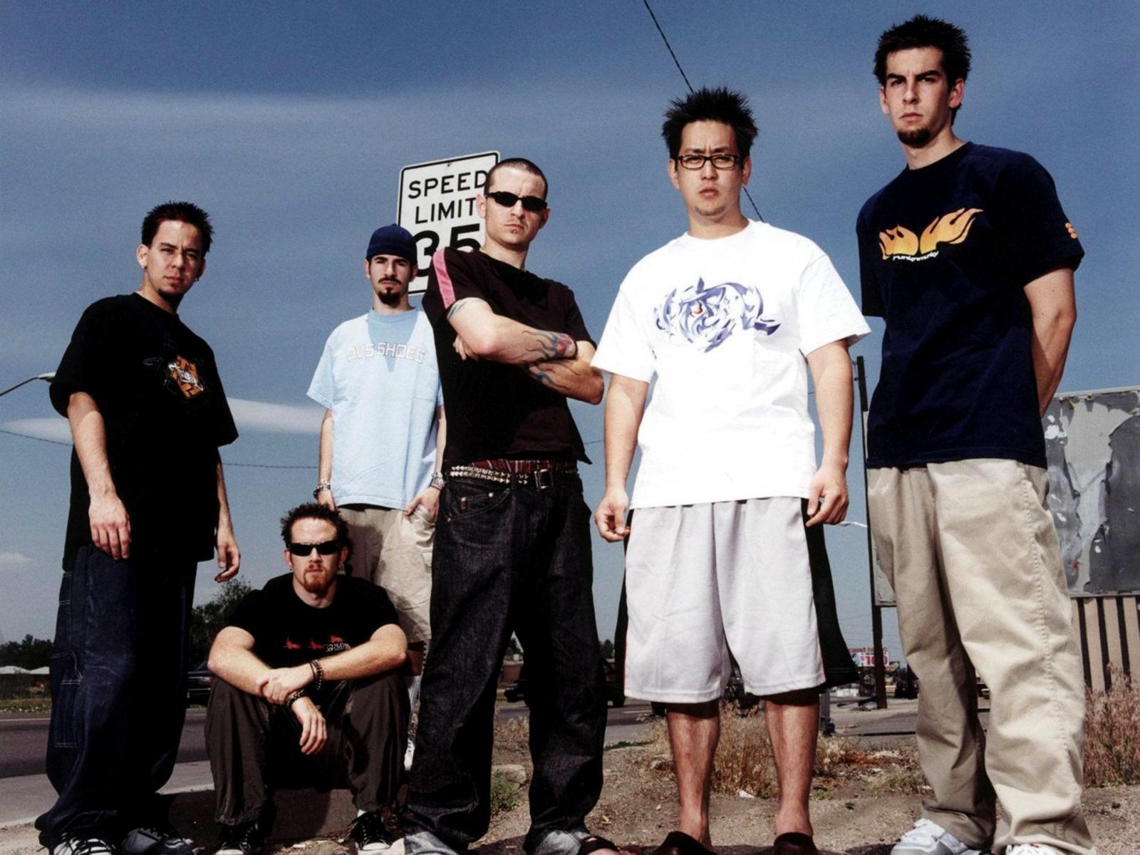 http://1.bp.blogspot.com/-kd9Wy9hmQck/UBKDoapz8AI/AAAAAAAADBQ/t0mUH9T6EbM/s1600/Linkin_Park_Group_HD_Music_Wallpaper-Vvallpaper.Net.jpg