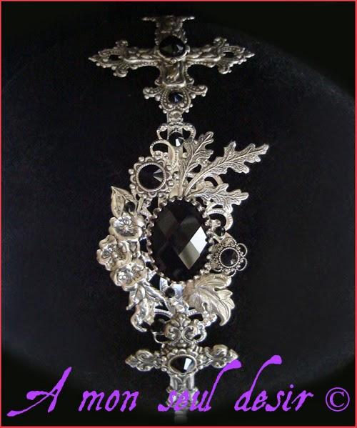 Serre-tête gothique croix silver cross heart goth headband headdress Swarovski Rhinestones Dark Black faceted stone Majestic Gothic