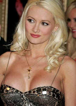 Holly Madison insures her breasts for $1 mn