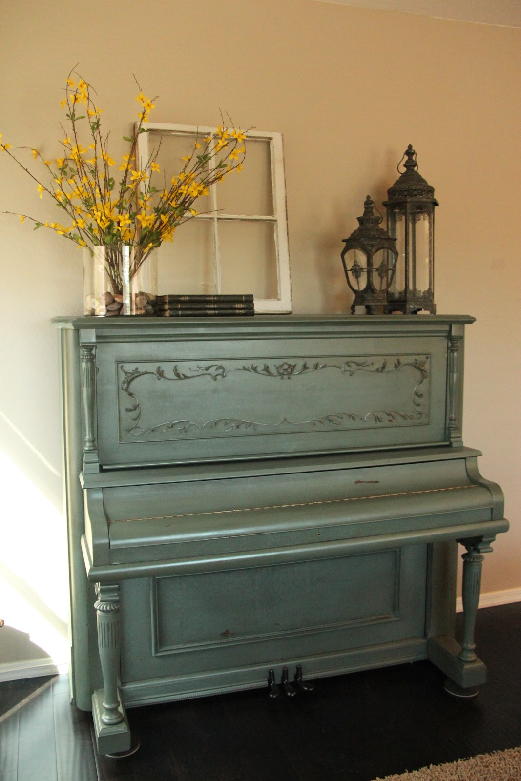 New to you painted distressed piano - Beautiful antique living room ideas decorating tips ...