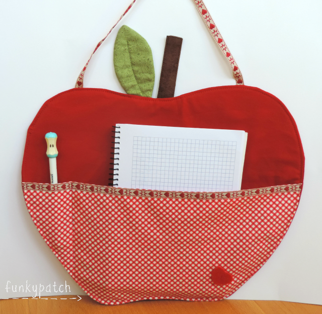 Porta libreta en tela con forma de manzana