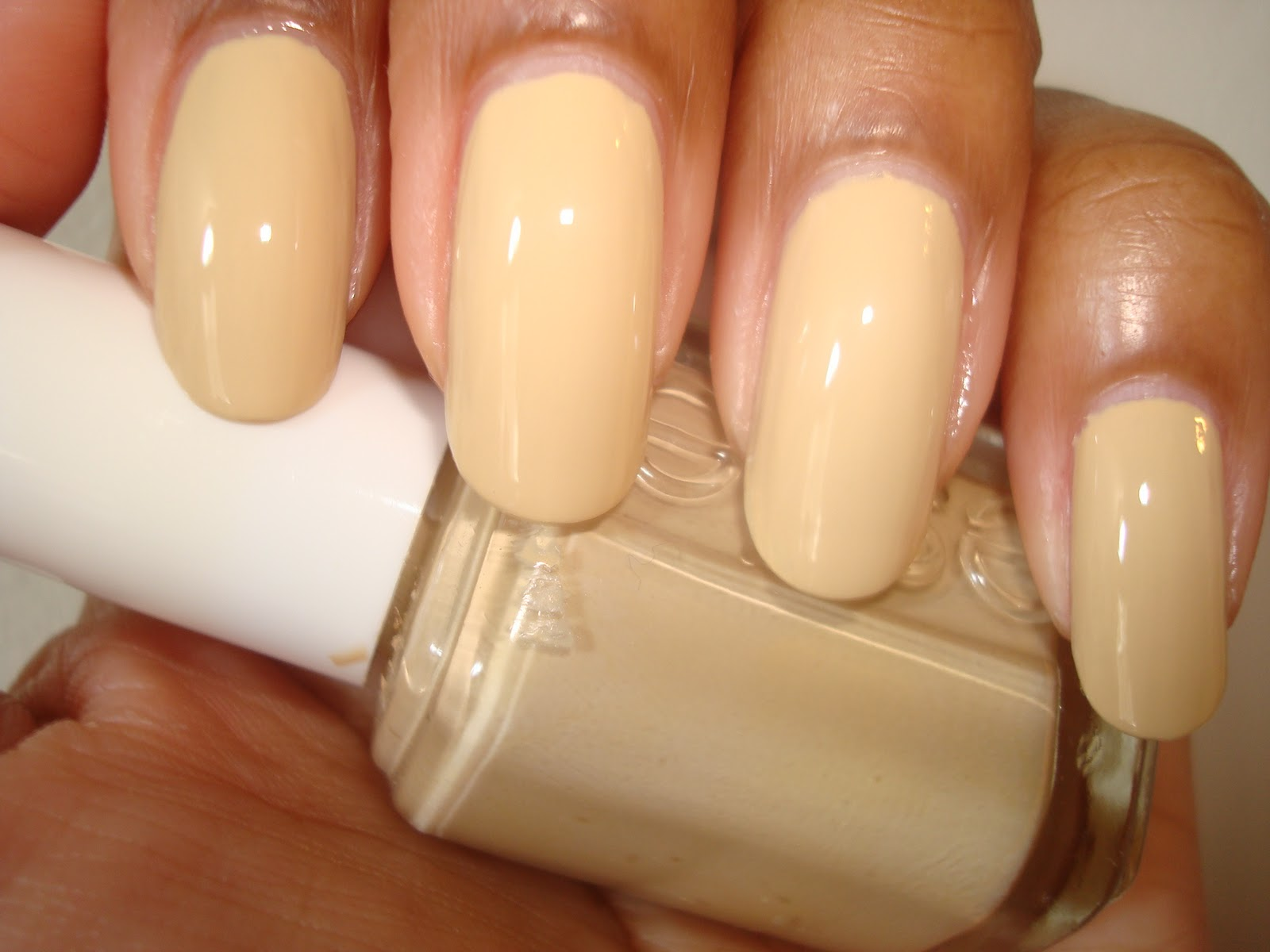 NY.NAIL.DIVA: Oldie but goodie.............. Essie \