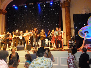 Ukulele Festival of GB 2013 finale singalong