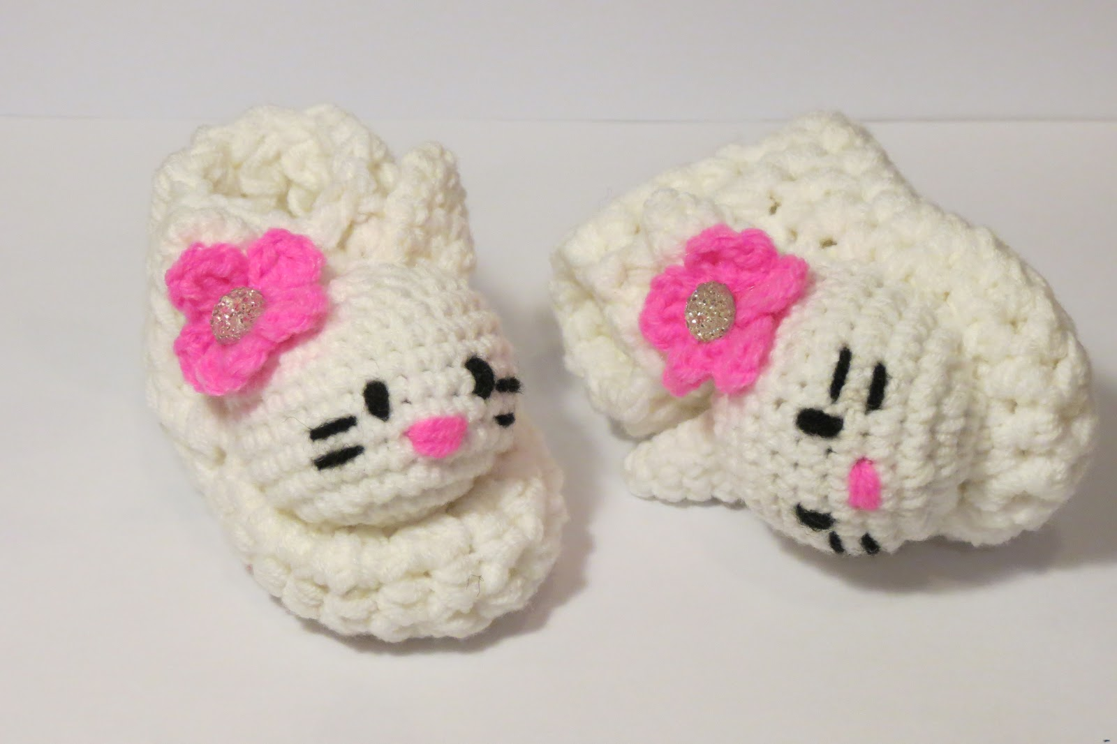 Crochet Baby Booties Hello Kitty Pattern ~ Pakbit for .