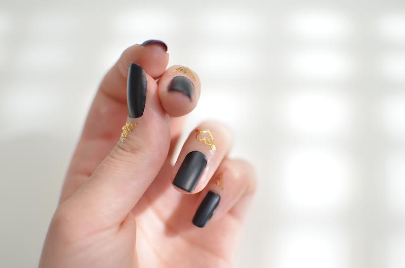 Cuticle_Finger_Tattoos_Nageldesign