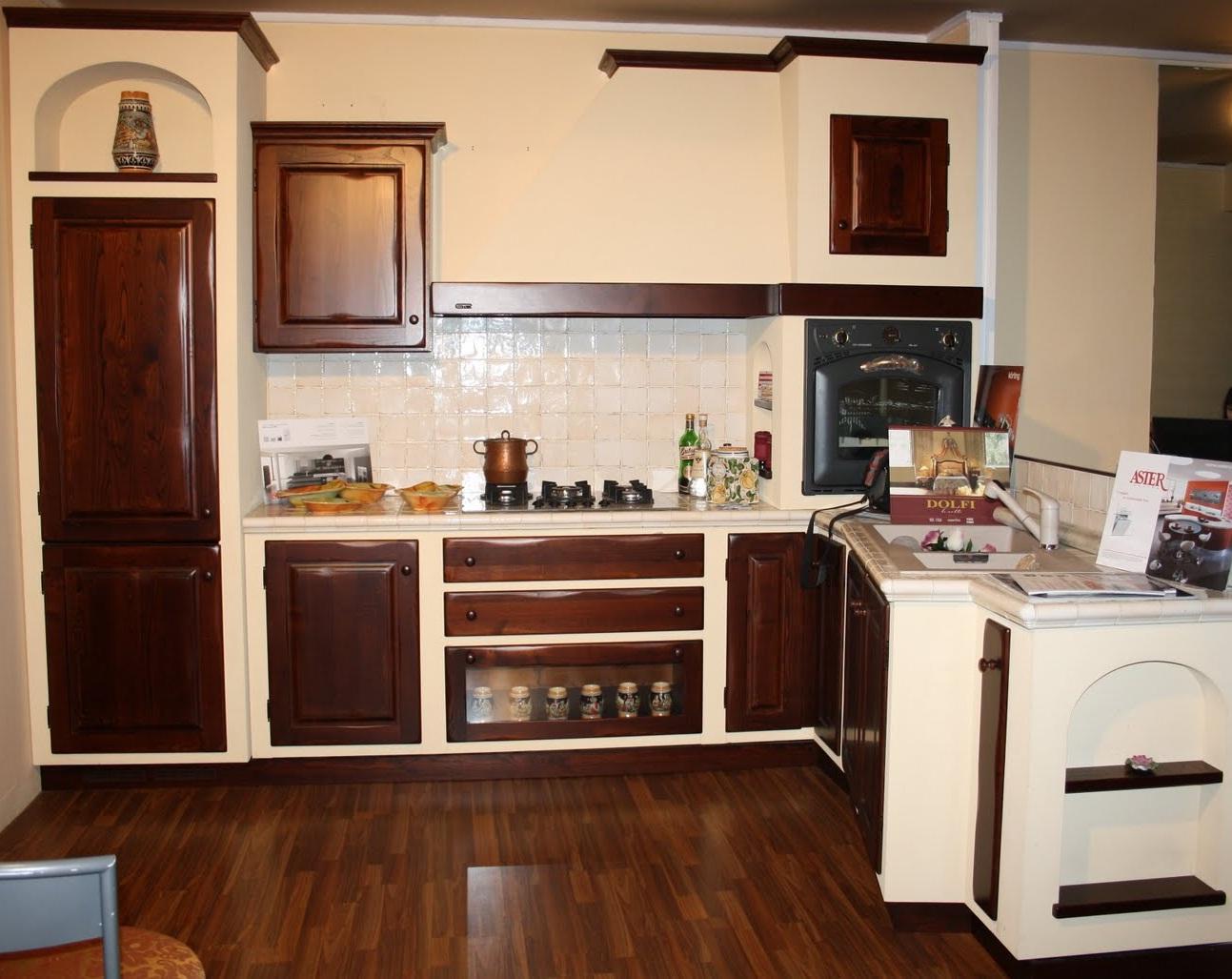 Cucina country usata cucine artigianali arredamento in muratura prezzi cucine - Lady cucine prezzi ...