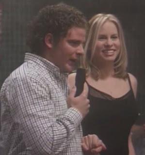 Vonda Shepard (Ally McBeal) y Daniel Huarte en el CBC de Al salir de clase