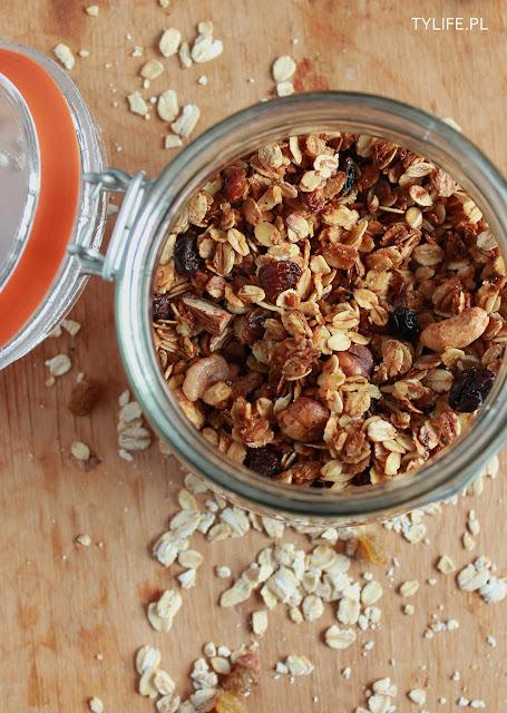 granola orzechy, nuts, płatki owsiane, rolled oats, śniadanie, breakfast,