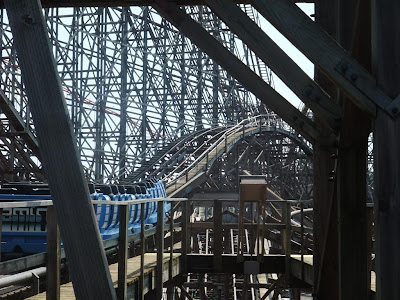 cedar point, the gemini, wood roller coaster, hurts, old