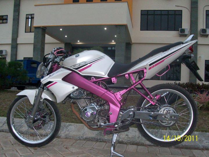 Koleksi Gambar Foto Modifikasi Yamaha Vixion Racing Look / Drag Style title=