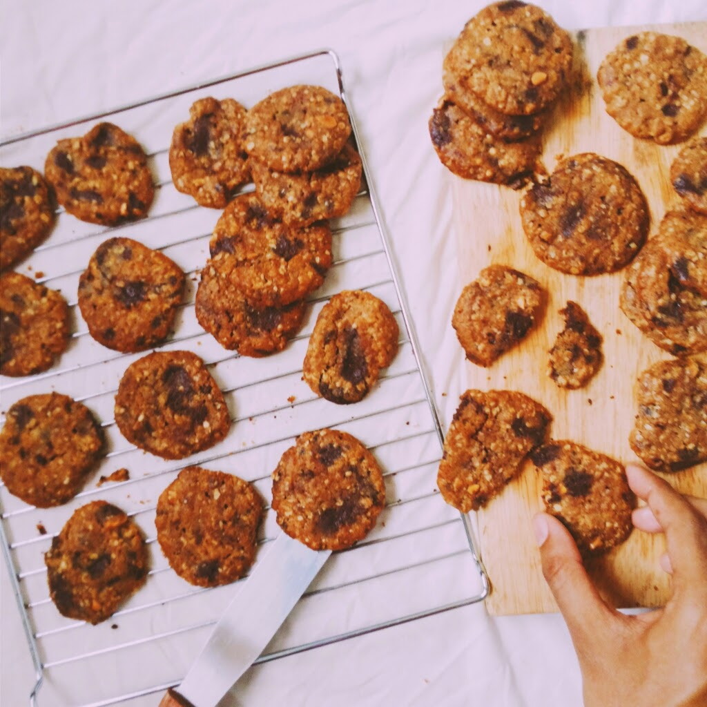 ... !: Browned Butter Peanut Butter Oatmeal Chocolate Chunk Cookies