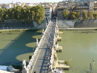 El Puente Sant Angelo. Roma. Turismo en Roma. El Puente Aeliano o puente de Adriano