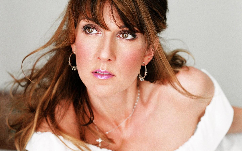 http://1.bp.blogspot.com/-kfRudN0u19s/T9EXvnibSFI/AAAAAAAAeAY/yOz2bTZ9Ahs/s1600/Celine-Dion.jpg