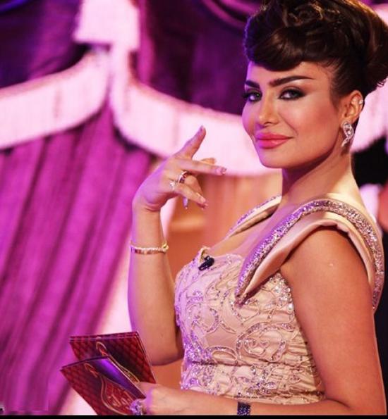 فساتين أمل العوضي 2013 - ازياء أمل العوضي 2013 - أمل العوضي 2013 - أمل العوضي