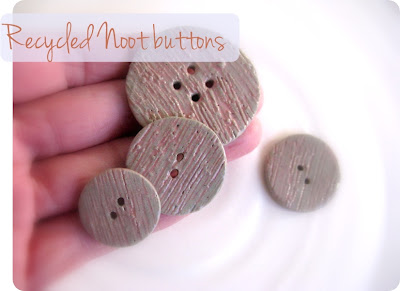 recycled buttons made of stoneware and glaze waste