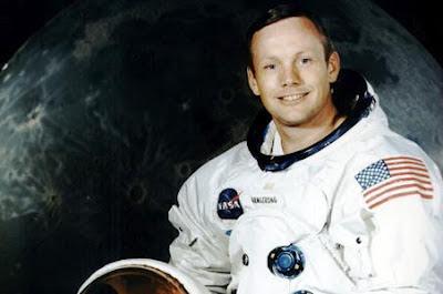 Neil Amstrong ha muerto el 25 de agosto de 2012.