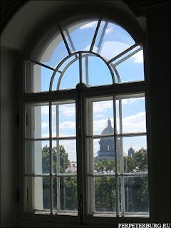 Вид на Исаакиевский собор из окна