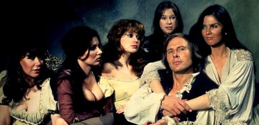 LAS 20 ACTRICES MAS SEXYS DE LA HAMMER FILMS