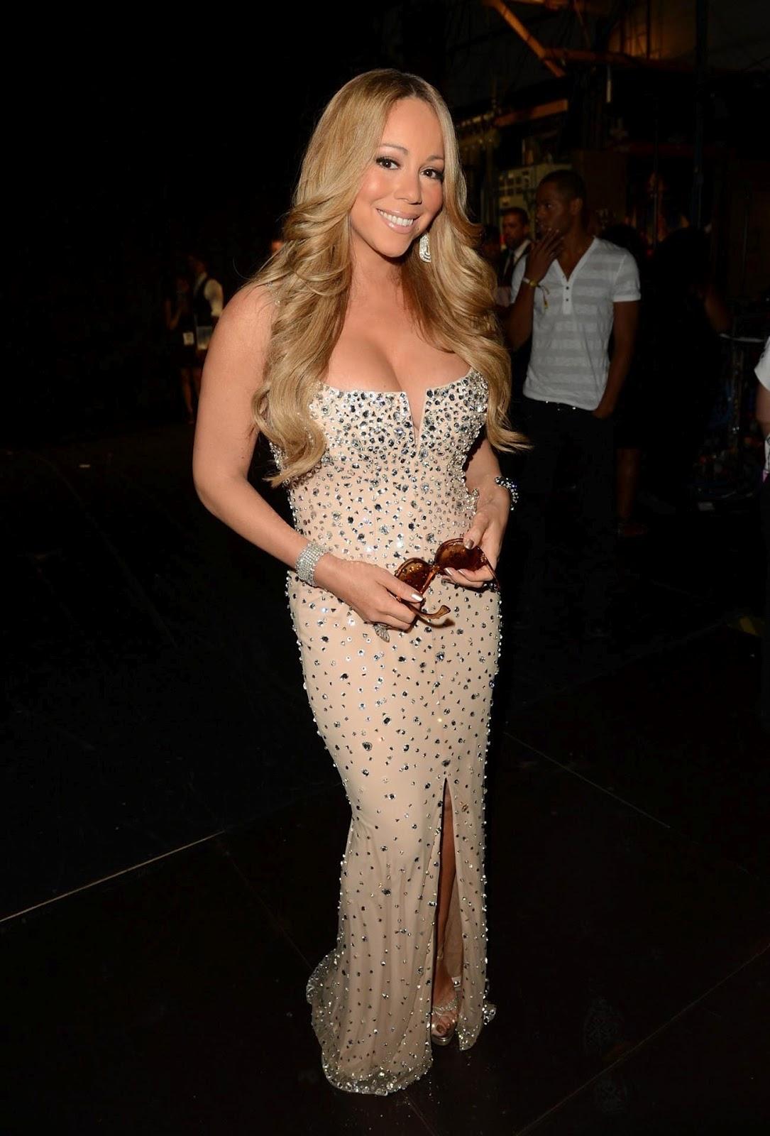 http://1.bp.blogspot.com/-kgEqhMX-brM/T_T--ynLCgI/AAAAAAAAAxk/0MkE7BgUhGo/s1600/Mariah-Carey-at-2012-BET-Awards.jpg