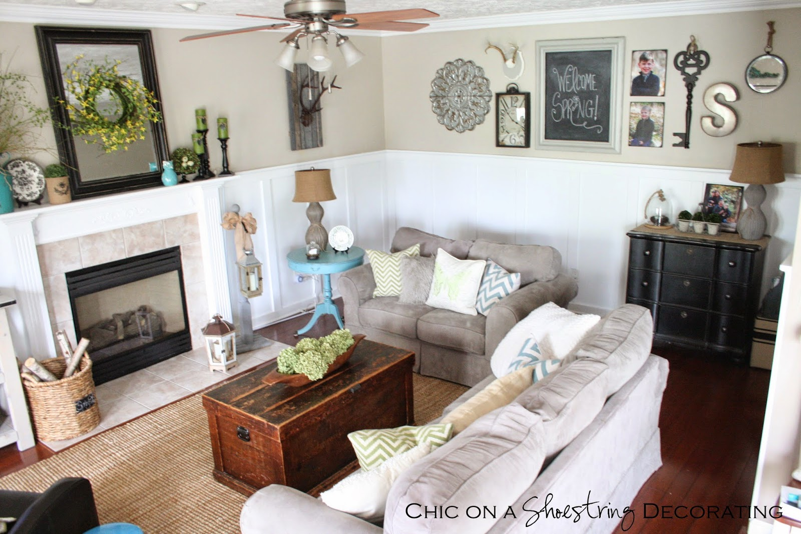 Chic on a shoestring decorating my farmhouse chic living for Farmhouse bedroom decor