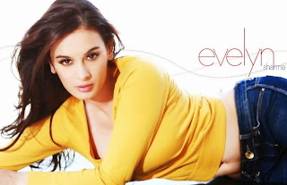 Evelyn Sharma Latest 2014 Diwali Special Crackers Wallpaper Download