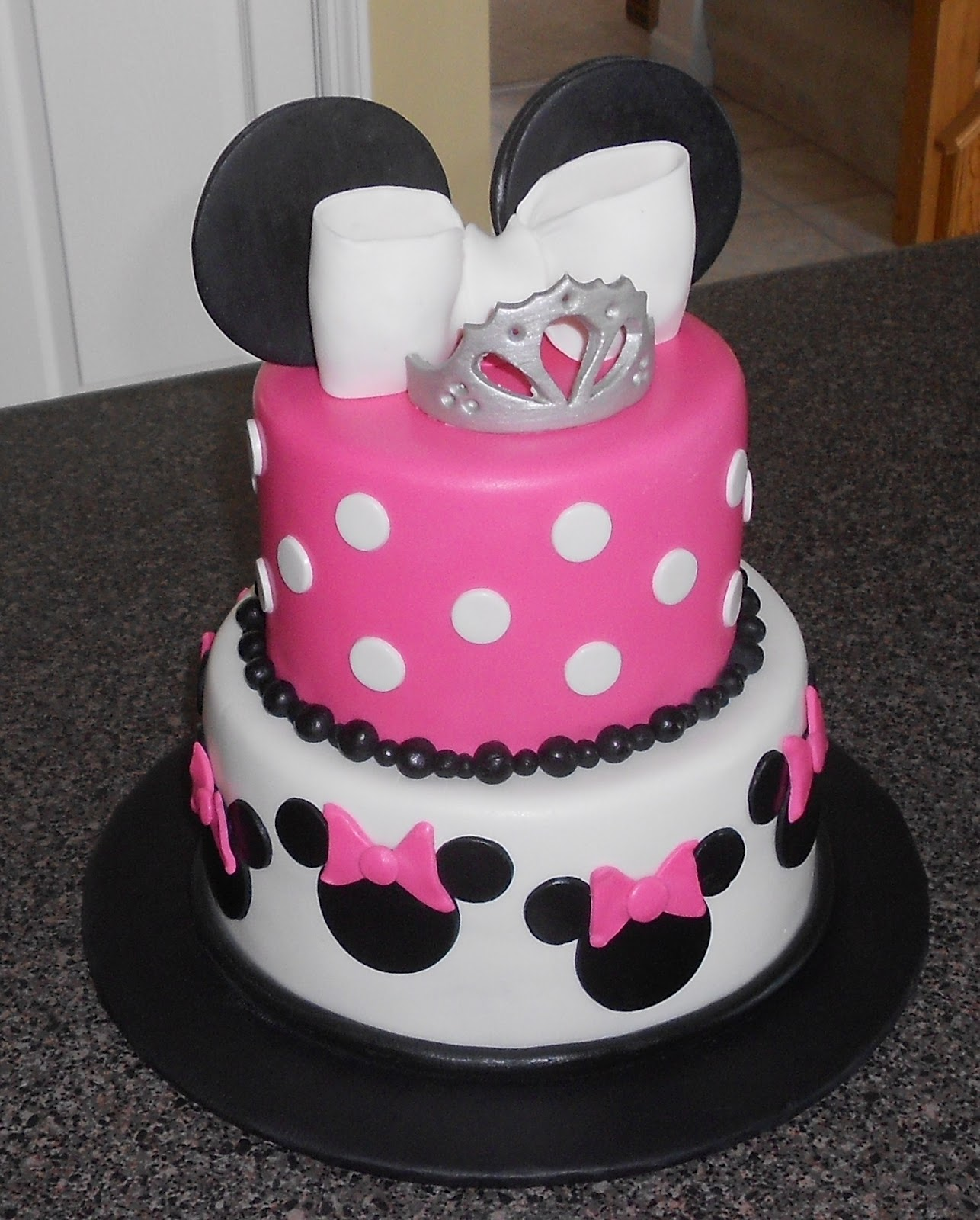 SARAH JANE (occasionally, And Among Other Things..) DOES CAKE.: Little Minnie Mouse Princess Cake
